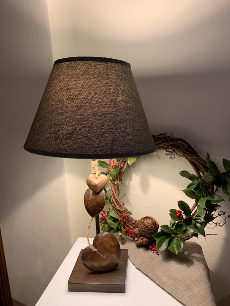 Lampada cuori legno